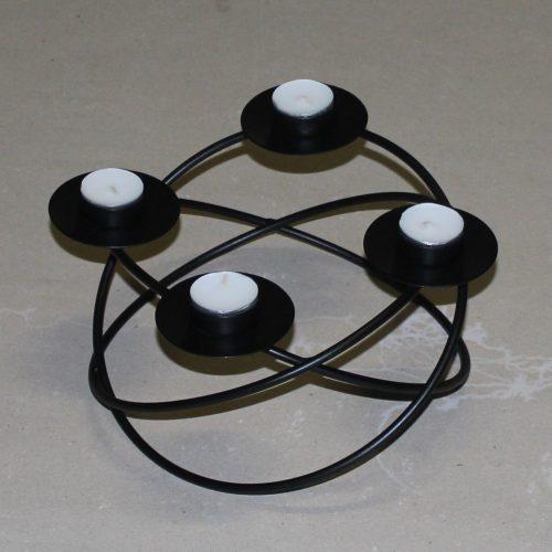 Adventskrans i jern med ringe - til fyrfadslys