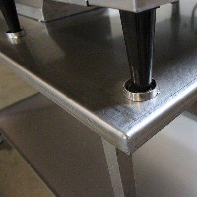 Bord i rustfri staal - detalje ved ben