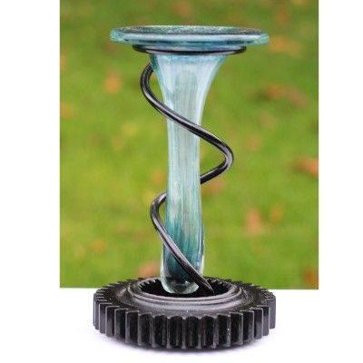 Samarbejde med kunstner - En vase i glas med jernholder